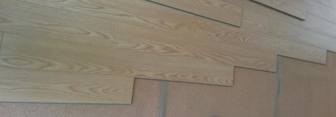 Posare laminato su pavimento esistente interesting posare laminato su pavimento esistente with - Posare parquet flottante su piastrelle ...